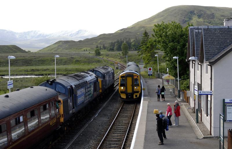 37608 & 37610 T S (Ted) Cassady (1Z37) & 158722, Achnasheen, Sat 19 June 2010 - 1313     'The Highlander' crosses First ScotRail's 1203 Kyle of Lochalsh - Inverness.