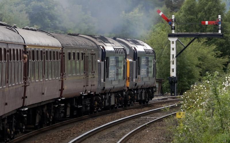 37610 T S (Ted) Cassady & 37608, 1Z41, leaving Aviemore, Mon 21 June 2010 - 1143