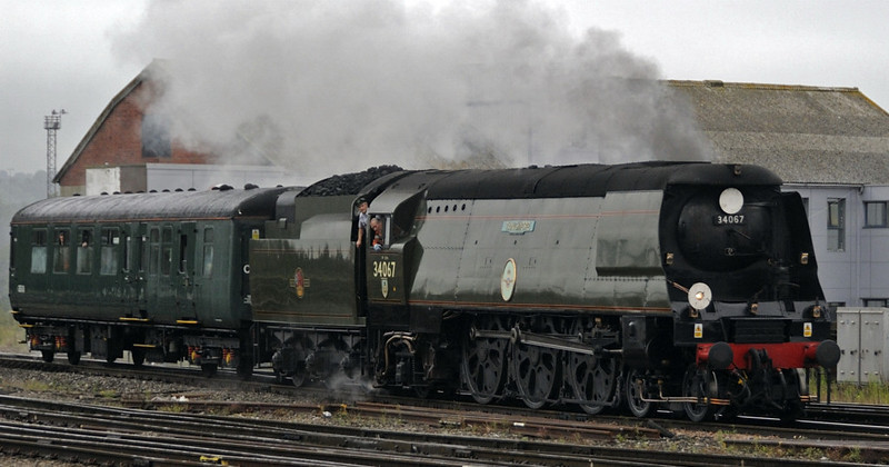 34067 Tangmere, 5Z34, Bristol Temple Meads, Sun 2 September 2012 - 0832.  Tangmere arrives with its support coach to work the Railway Touring Co's Royal Duchy to Par.