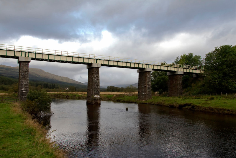 Fillan viaduct from the east, Crianlarich, 26 September 2009 - 0943    The viaduct carries the Fort William line over the River Fillan.
