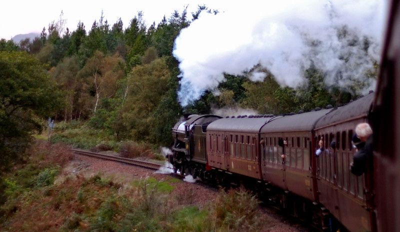 61994 The Great Marquess, 1Z24, climbing away from Garelochhead, 26 September 2009 - 0755    Starting the six mile climb to Glen Douglas summit (564 feet) with one mile at 1 in 60.