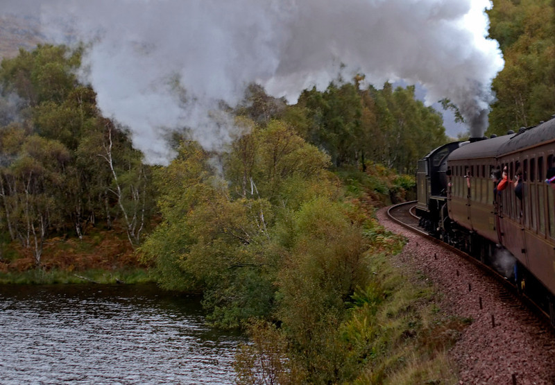 62005 Lord of the Isles, 1Z26, rounding the western end of Loch Eilt, 26 September 2009 - 1754