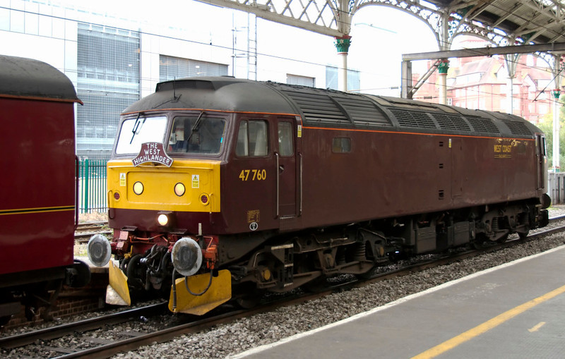 47760, 0Z22, Preston, 25 September 2009 - 0935    Having brought the stock from Carnforth, 47760 was booked to shadow 1Z22 to Glasgow, and then remove the ECS from Central to Cadder yard.  47760 was used because it is dual-braked (air and vacuum), and the stock was vacuum braked.