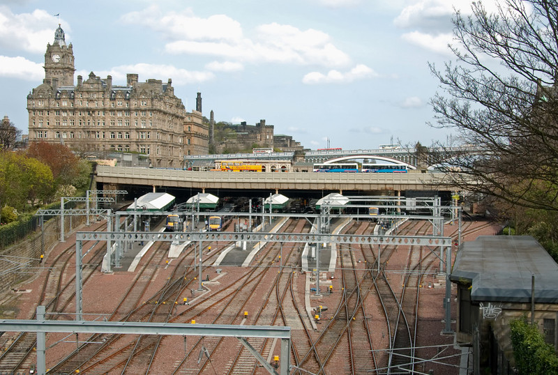 Edinburgh Waverley station, 3 May 2008 - 1510    Looking east over the west end of the station.