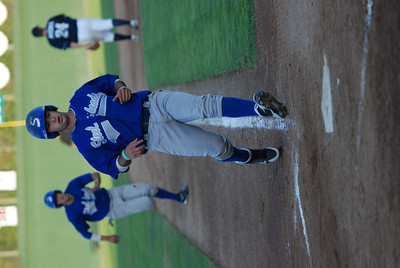 JosŽ Quezada/For the Times-Standard  Two runs score on #9 double RBI for Steelheads, giving Steelheads 3-2 lead in the fourth inning.