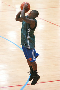 Nate Robinson from the New York Knicks takes a shot at the basket during their first practice at Skidmore College Tuesday morning. Photo Erica Miller 9/29/09 spt_NateRobinson_Wed