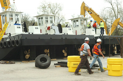 Crews prepare new tug-boats that will be used in the Hudson River Dredging project. photo Rick Gargiulo news_dredg2_fri 4/30/09