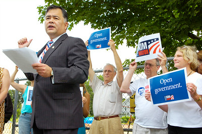 Ron Kim, currently Commissioner of Public Safety for Saratoga Springs, announced his candidacy for Mayor yesterday at the South Side Recreation Field on Vanderbilt Avenue. Photo Erica Miller 7/22/09 news_KimMayor_Thurs