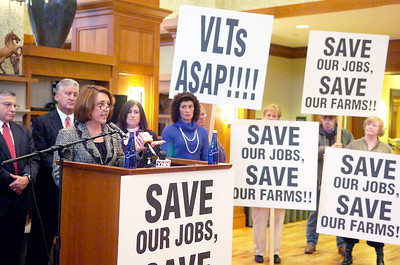 Saratoga Supervisor Joanne Yepsen spoke for a Region call to action regarding the jeopardy of losing thoroughbred racing in Saratoga at the Hampton Inn and Suites on Lake Ave. Photo Erica Miller 3/30/10 news_RacingConf2_Wed