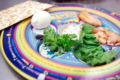 The Seder plate at the Shaara T'Fille for Passover. Photo Erica Miller 3/29/10 news_ShaaraTFille3_Tues