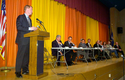 Congressman Scott Murphy speaks Tuesday at Shenendehowa's Gowana Middle School during a panel forum to help small business.  The event was one of Murphy's town hall meetings he intends to hold at various locations in the district. Ed Burke 5/26/09