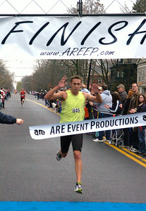 Greg Kelsy of Saratoga Springs was the first male finisher of Thursday's Turkey Trot. Ed Burke 11/26/09