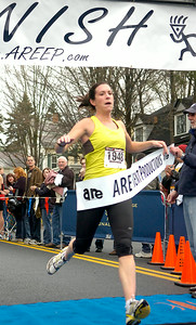 Shen graduate Dana Bush was the first female finisher in Thursday's Turkey Trot. Ed Burke 11/26/09