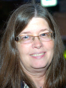 "Sue Tomlinson of Ballston Spa, ""Reading."""