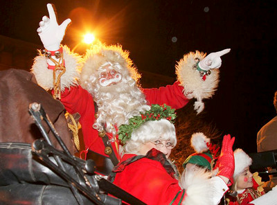 Santa and Mrs. Claus arrive Wednesday evening in downtown Saratoga Springs. John R. Dillon photo