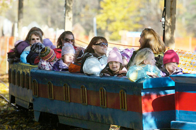 Students and families from Middleburg Elementary enjoy a train ride at Sunnyside garden Friday morning. The Sunnyside Garden invited the students with free transportation to enjoy a relaxing day away from the stress after Hurricane Irene. Photo Erica Miller 10/28/11 news_Sunnyside4_Sat