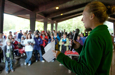 Volunteer Chair Heather Straughter, of Saratoga, speaks to the walkers before the 1st annual Saratoga Stroll for Epilepsy at the Saratoga Spa State Park Sunday morning. Photo Erica Miller 9/27/09 news_Epilepsy4_Mon