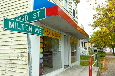 D'Andreas Pizza's newest location on Milton Ave in Ballston Spa. Photo Erica Miller 9/28/09 news_DAndreas_Tue