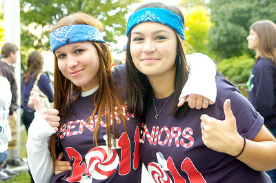 Saratoga Springs High School Seniors Devin Finn and Jessica Famiano all pumped for their Homecoming Parade Friday evening. Photo Erica Miller 10/1/10 new_Parade1_Sat