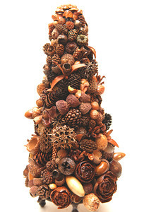 A Christmas tree composed of various nuts is one of many crafts available for sale at the Ukiah Garden Club Thursday November 29, 2007 in Ukiah, Calif. (MacLeod Pappidas/The Ukiah Daily Journal).