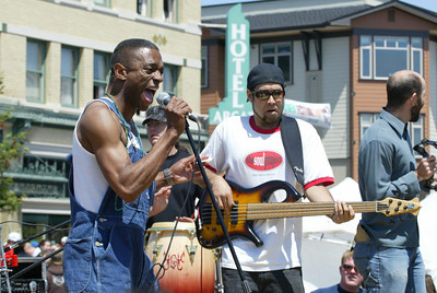 Shaun Walker/The Times-Standard  Earl Thomas and bassist Chris Wixson [CQ] energize the crowd.
