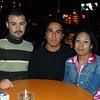 Celebrando con amigos en el bar Chamucos de Ciudad Juarez: Gustavo y Juan Martinez, Ana Elizalde. Foto: Jesus A. Nava / Especial para El Paso y Mas.