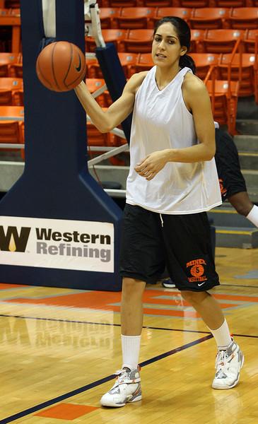 UTEP Basketball - Claudia Porras