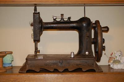2009 09-04 My new sewing machine
