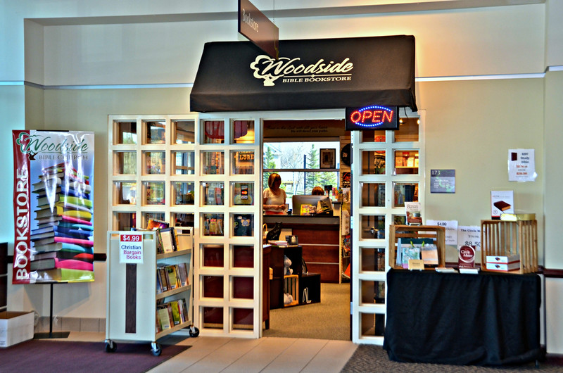 NR_Troy Bookstore_4-12-15_2926