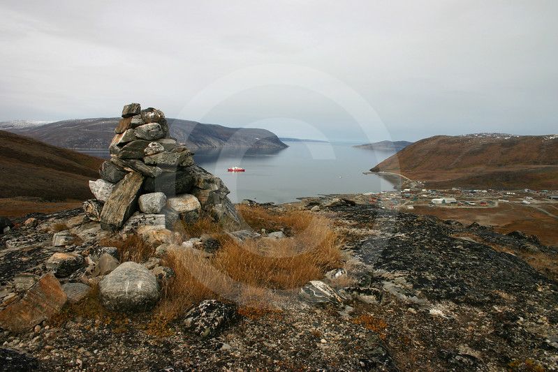 (72) Kairn and community of Kangiqsujuaq in the background