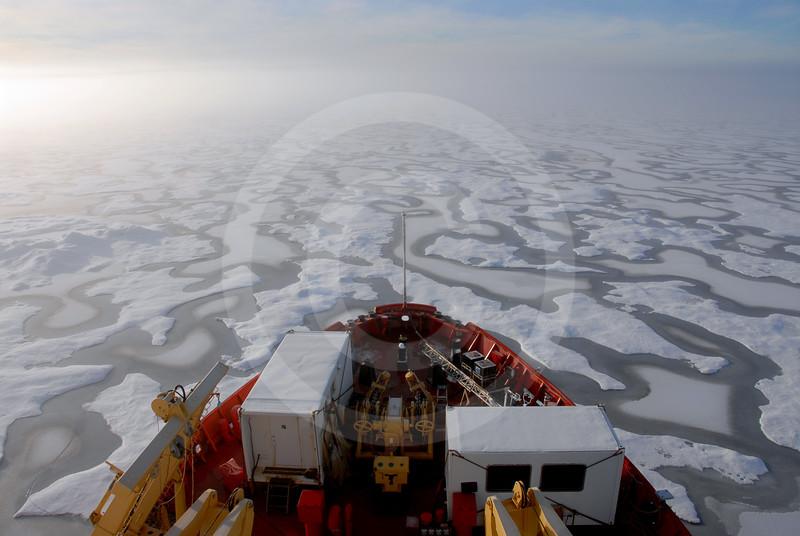 (162) CCGS Amundsen breaking ice