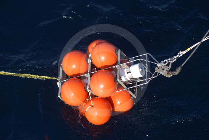 (568) Deployment of an ArcticNet oceanographic mooring from the CCGS Amundsen in the Beaufort Sea