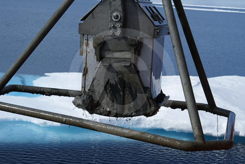 (606) Box core sampling on board the CCGS Amundsen