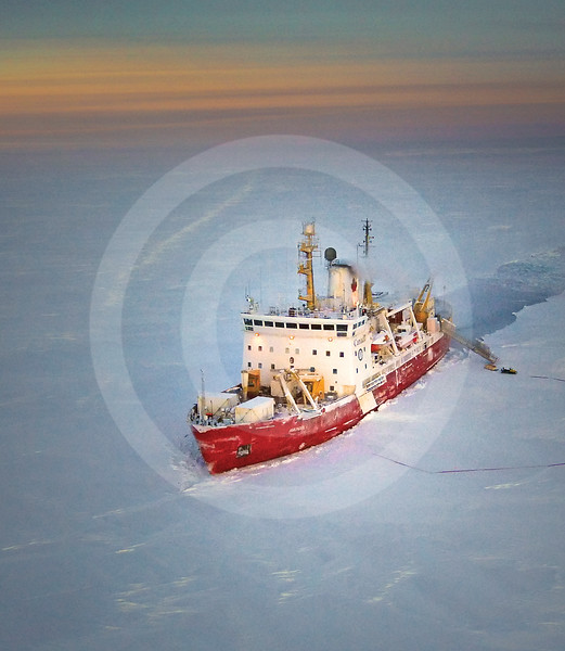 (327) CCGS Amundsen overwintering in the Beaufort Sea during the CFL program
