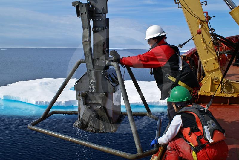 (607) Box core sampling on board the CCGS Amundsen