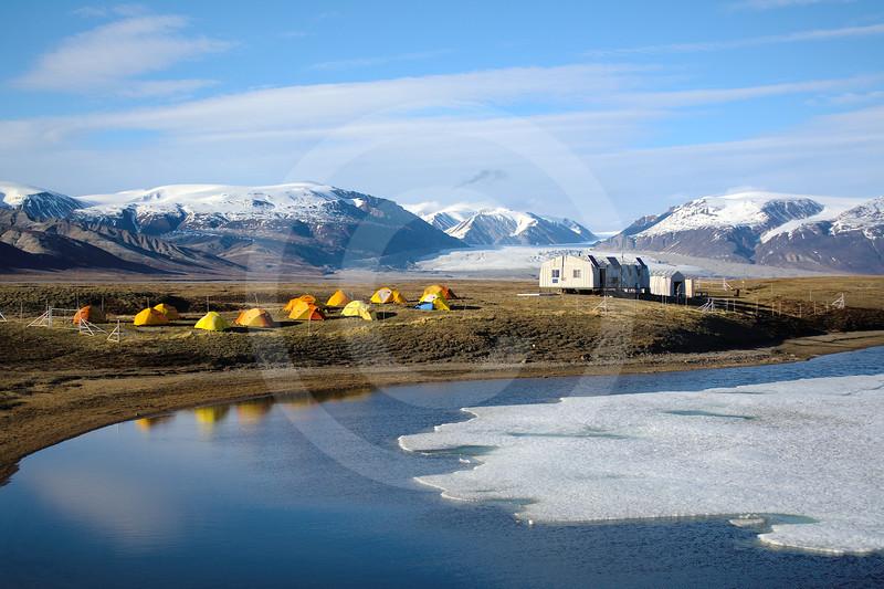 (1001) Camp de recherche principal de l'île Bylot