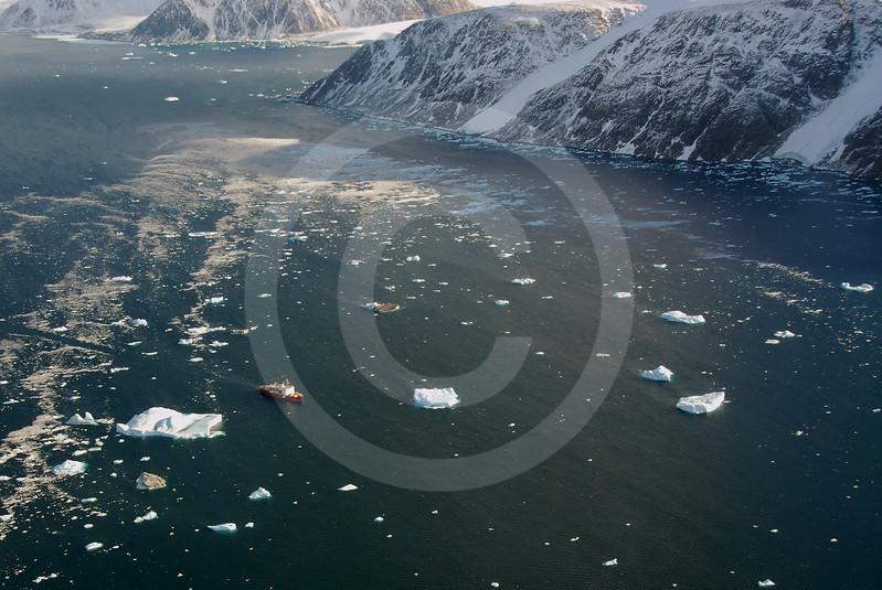 (163) CCGS Amundsen navigating in Kane Basin