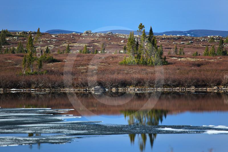 (664) Shores of Lac-à-l'Eau-Claire, Nunavik