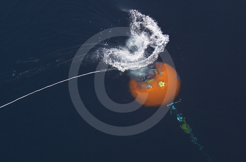 (554) Deployment of an ArcticNet oceanographic mooring form the CCGS Amundsen in the Beaufort Sea