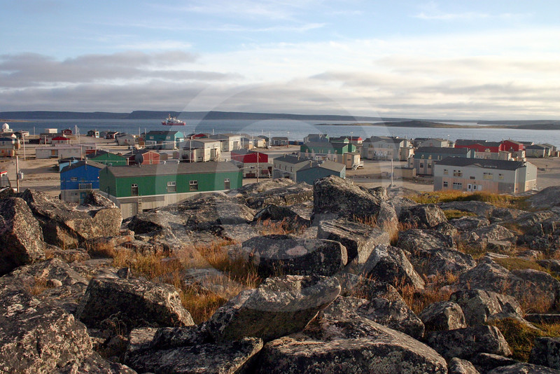 (77) Community of Salluit with CCGS Amundsen in background