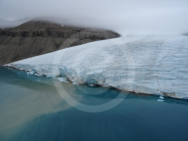 (2194) Small unnamed glacier in Blanley Bay