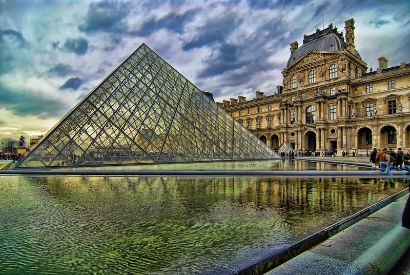 Paris is the capital and largest city in France, situated on the river Seine, in northern France. Paris has the typical Western European oceanic climate which is affected by the North Atlantic Current. Over a year, Paris' climate can be described as mild and moderately wet.<br /> Summer days are usually warm and pleasant with average temperatures hovering between 15 and 25 °C, and a fair amount of sunshine. Each year, however, there are a few days where the temperature rises above 32 °C.