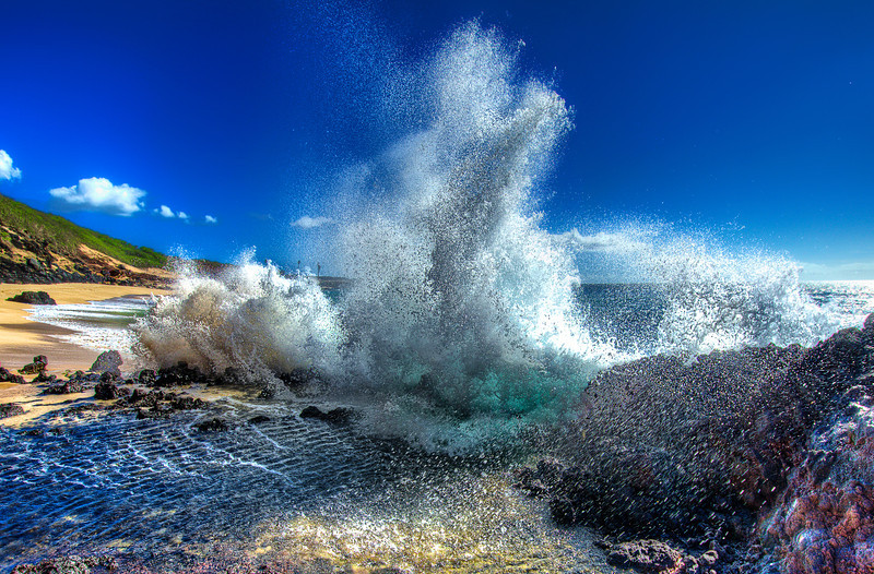 Water energy 7 times stronger than air pressure.<br /> Raging Pacific Ocean. Hawaii
