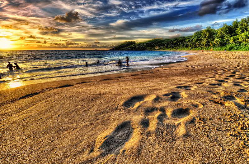 no rush... no time... <br /> jus't Sunset, waves and Sand<br /> <br /> Seychelles