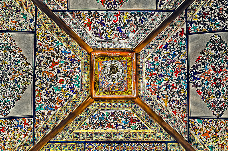 Real artists don't have a name. Real ones don't work for fame. Ceiling of ordinary Morocco house. Made by artist without name.
