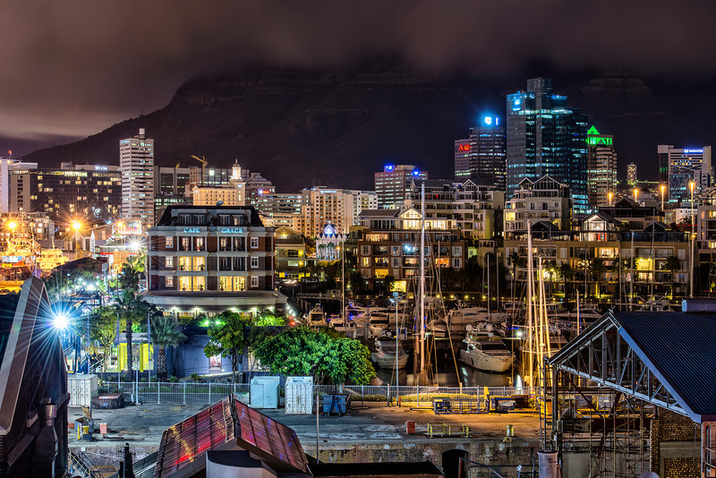Night photo walk in Cape Town. No dramas no horror stories.