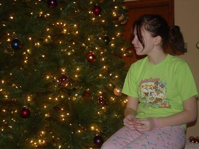 Sam H. sittin' pretty by the tree.
