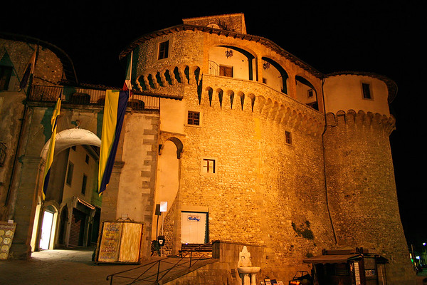 The Castle in Castelnuova di Garfagnagna - as we came from dinner one night finding it all lit.