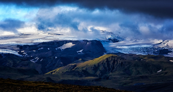 Late afternoon on the South Coast of Iceland -  Long Shot of the Glacier from the Opposite Hill!