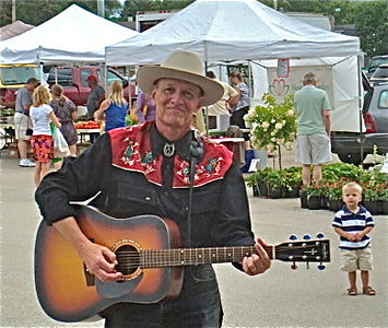 Cary Farmers Market and Kent Rose the Voice that Remembers  Photographer's Name: Cecily Rosenwald Photographer's City and State: Cary, IL